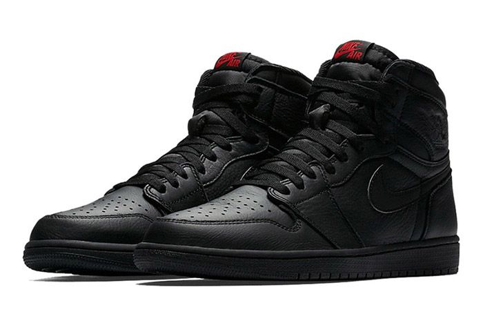 Air Jordan 1 High Triple Black 2