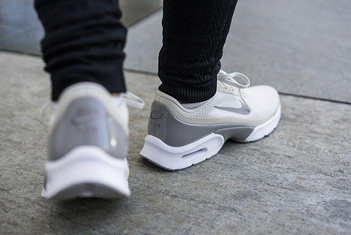 Nike Air Max Jewell Light Bone 1