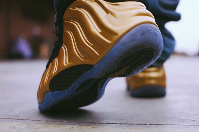 Nike Foamposite Metallic Gold 4