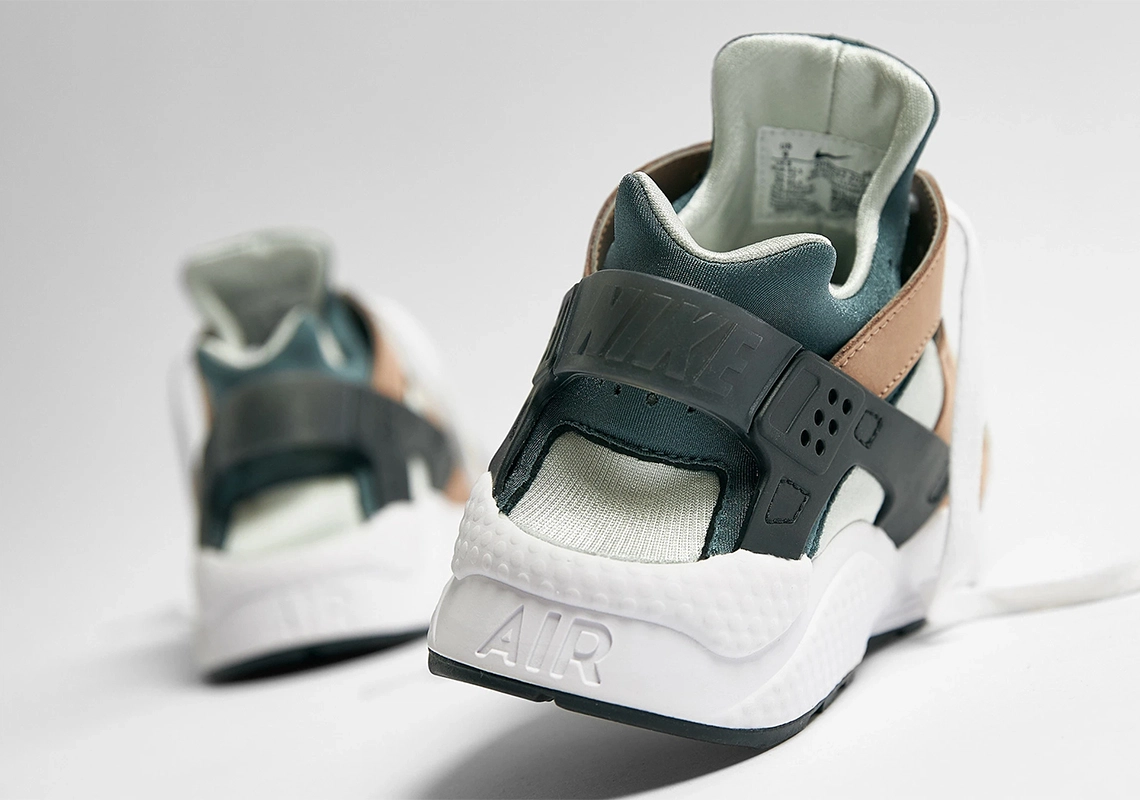 Nike Air Huarache Escape DH9532-201