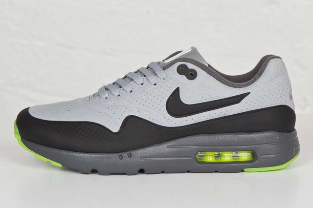 Nike Am1 Ultra Moire Wolf Grey Volt 2