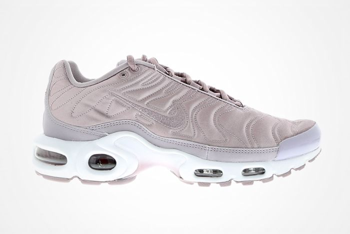 Nike Wmns Air Max Plus Satin