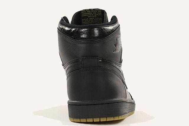 Air Jordan 1 Retro High Og Black Gum 4