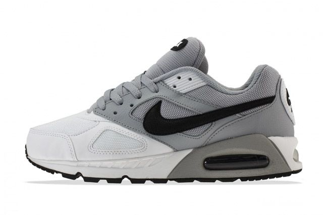 Air Max Ivo Sideview