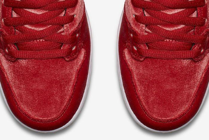 Nike Sb Dunk High Santa 1