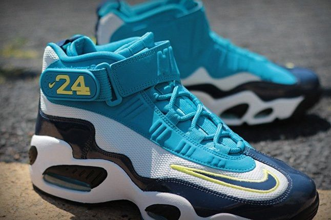 Nike Air Griffey Max1 Midnavy Neoturquoise Midfoot Profile 1