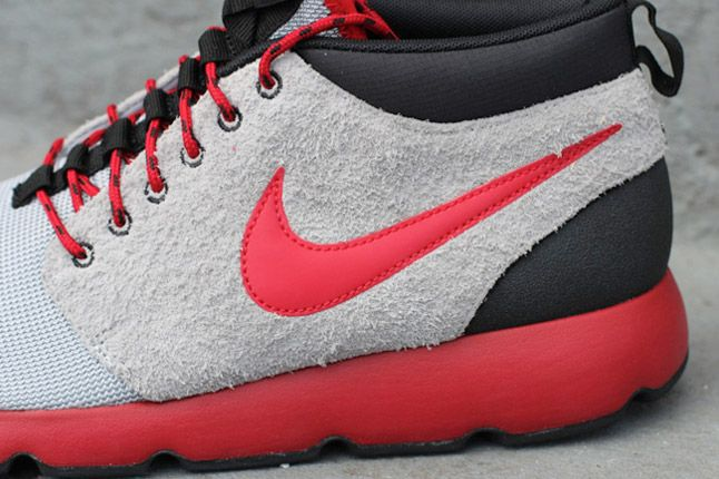 Nike Roshe Run Trail Wolf Grey Gym Red Side Detail 1
