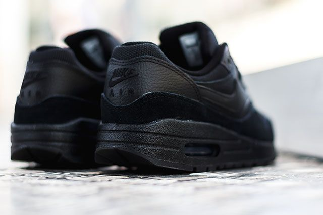 Nike Air Max 1 Triple Black 2