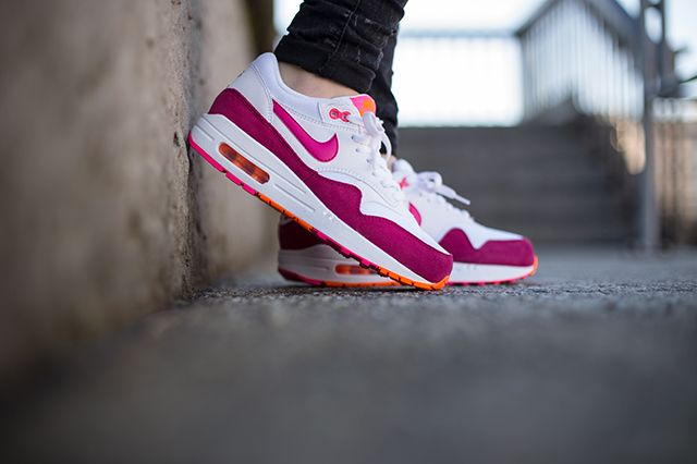 Nike Air Max 1 Wmns Pink Power 4