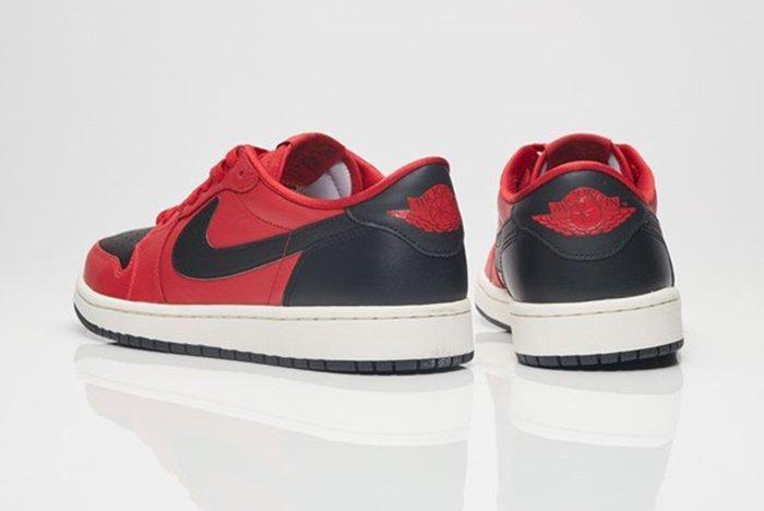 Air Jordan 1 Retro Low Og 1