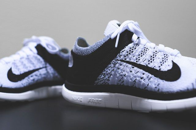 Free Flyknit 4 0 White Black Closeup2