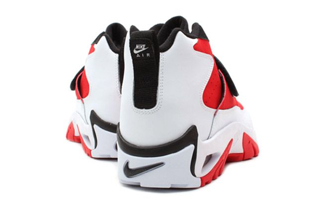 Air Mission Blkwhtred Heel