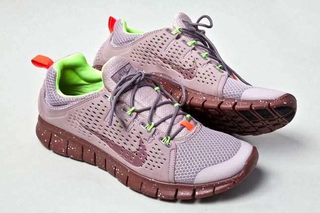 Nike Free Powerlines 2 Diffused Taupe Pair 1