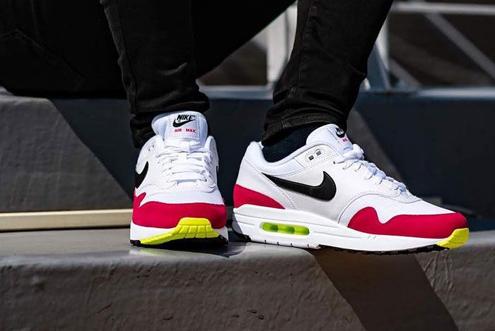 Nike Air Max 1 Volt Rush Pink Side