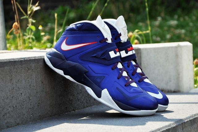Nike Zoom Soldier Viii Deep Royal 2