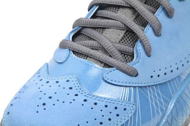 Air Jordan 2012 University Blue 4 1