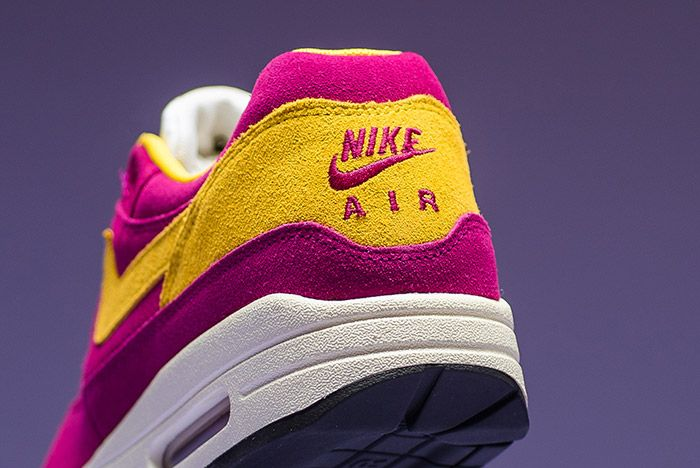Nike Air Max 1 Premium Dynamic Berry 6