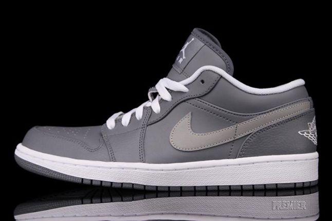 Air Jordan 1 Low Cool Grey Profile 1