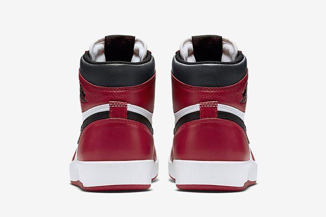 Air Jordan 1 5 Chicago4