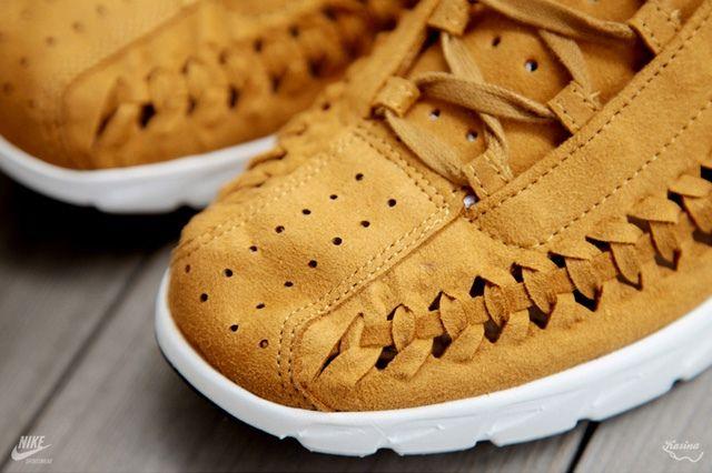 Nike Mayfly Woven Qs Chestnut Toe Detail