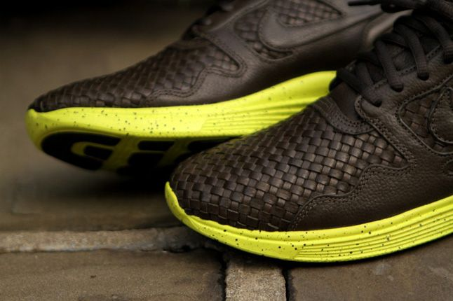 Nike Lunar Flow Woven Pack Toe Details 1