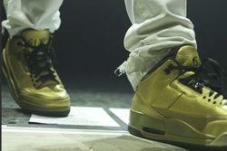 Thumb Drake Air Jordan 3 Gold 1