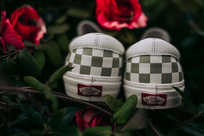 Vans Slip On Roses Sneaker Freaker 4