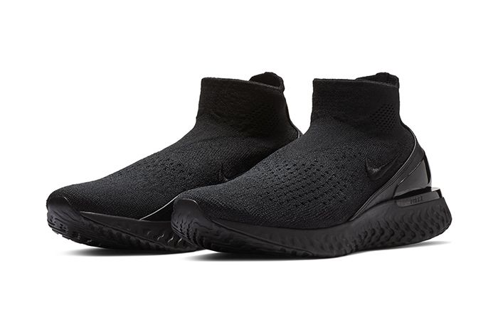 Nike Rise React Flyknit Triple Black 1