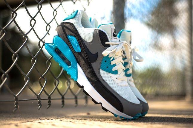 Nike Air Max 90 Essential Summit Blue 2