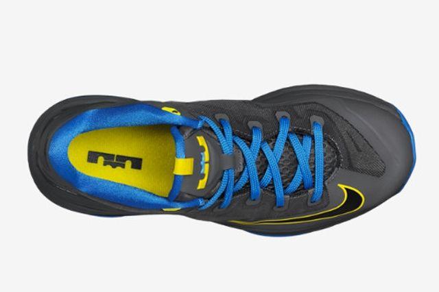 Nike Le Bron 11 Low Gs Dark Grey Photo Blue 4