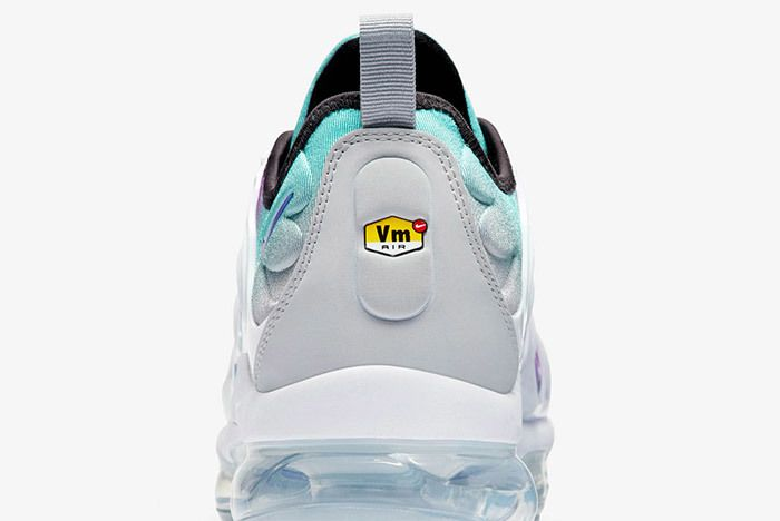 Nike Air Vapormax Plus White Fierce Purple 3
