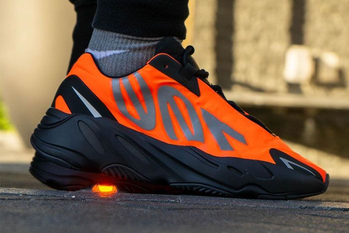 Adidas Yeezy Boost 700 Mnvn Orange Right