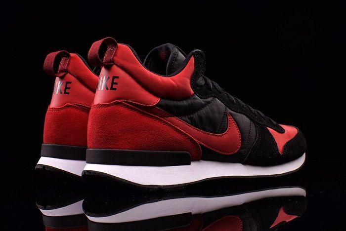 Nike Internationalist Mid Bred 3