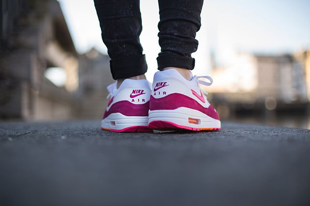 Nike Air Max 1 Wmns Pink Power 3