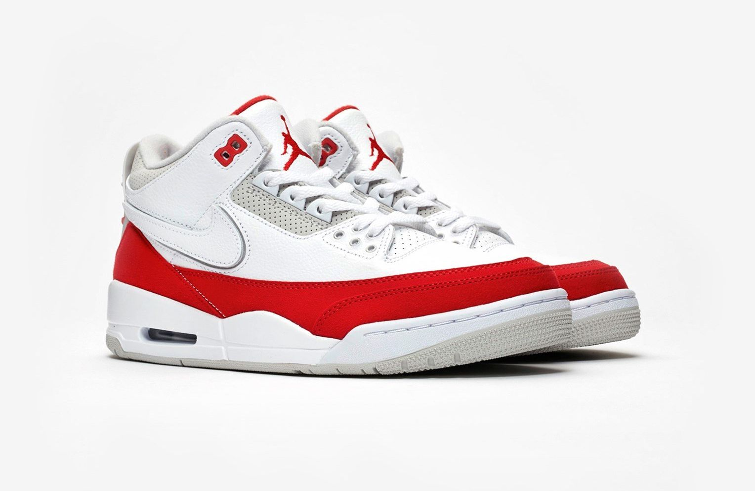Air Jordan 3 Tinker Hatfield Air Max 1 Angled