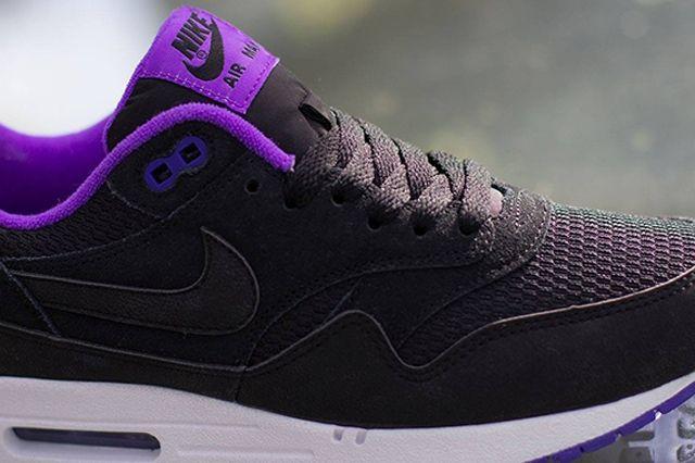 Nike Womens Air Max 1 Essential Black Hyper Grape 1