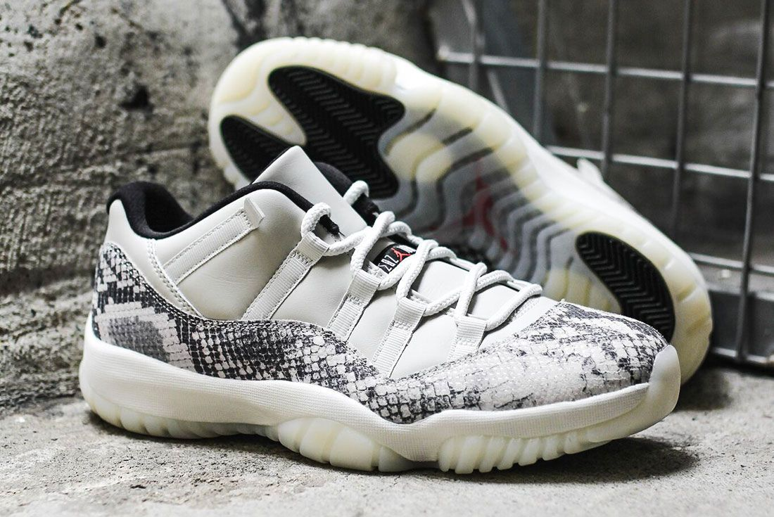 Air Jordan 11 Low Se Snakeskin2 Pair