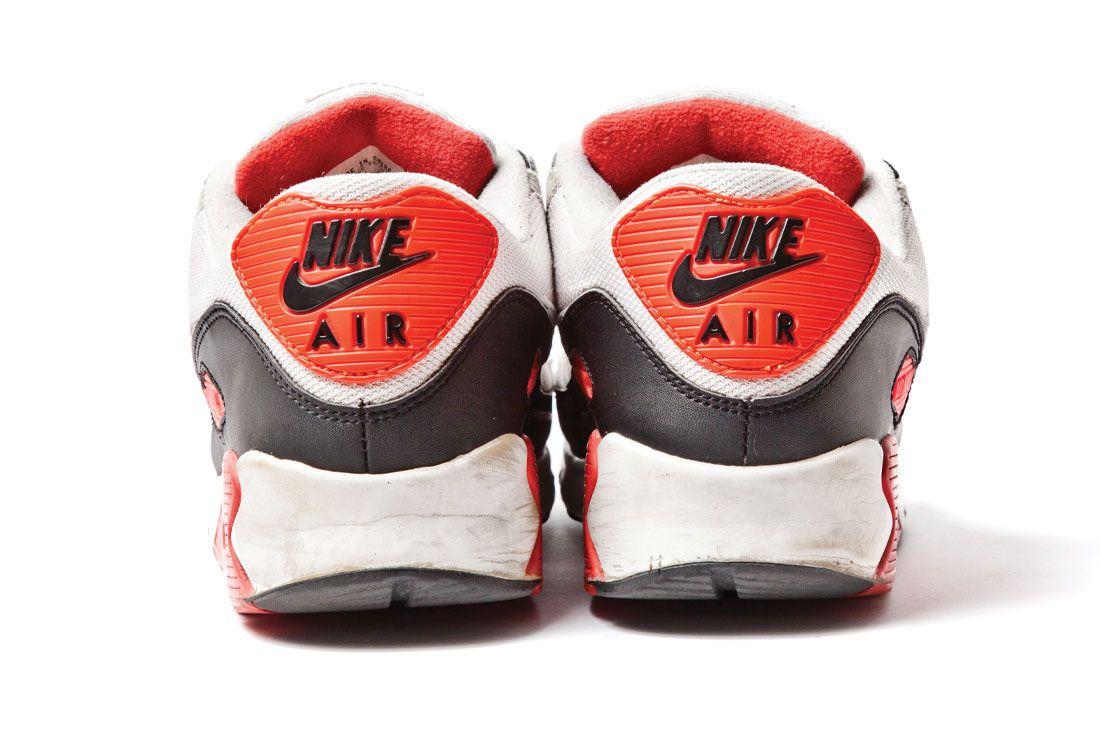 Sneaker Freaker Nike Air Max 90 Infrared Heel