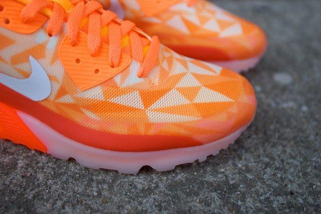 Nike Air Max 90 Ice Atomic Mango 2