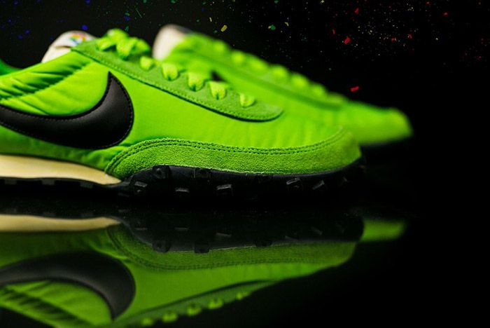 Nike Waffle Racer Premium 17 Action Green 6