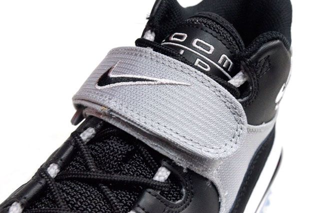 Nike Air Zoom Turf Blk Closeup