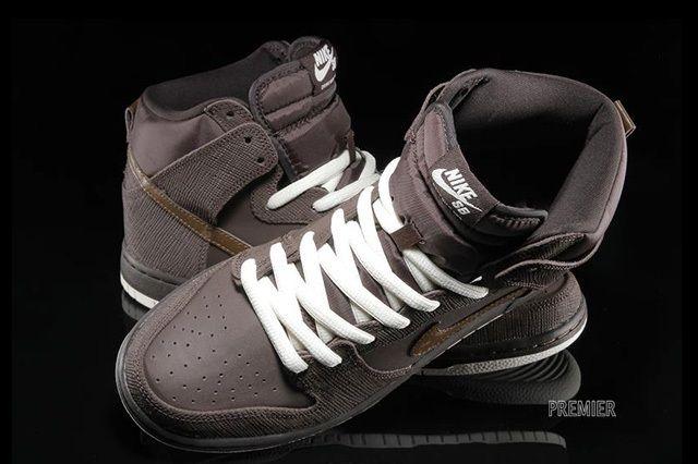 Nikesb Dunk Hi Pro Baroque Brown Dark Khaki 1
