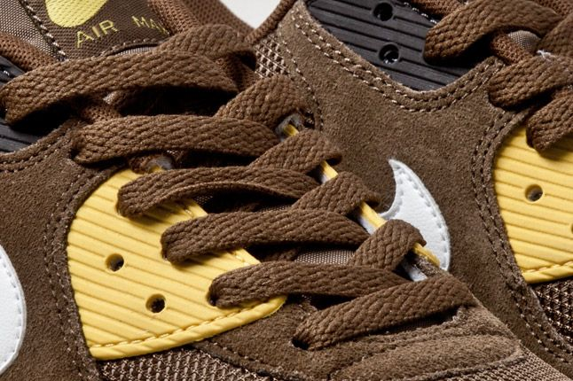 Nike Air Max 90 Mighty Hawks Laces 1