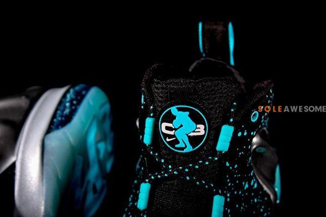 Nike Barkley Posite Max Pure Platinum Tongue Detail 1