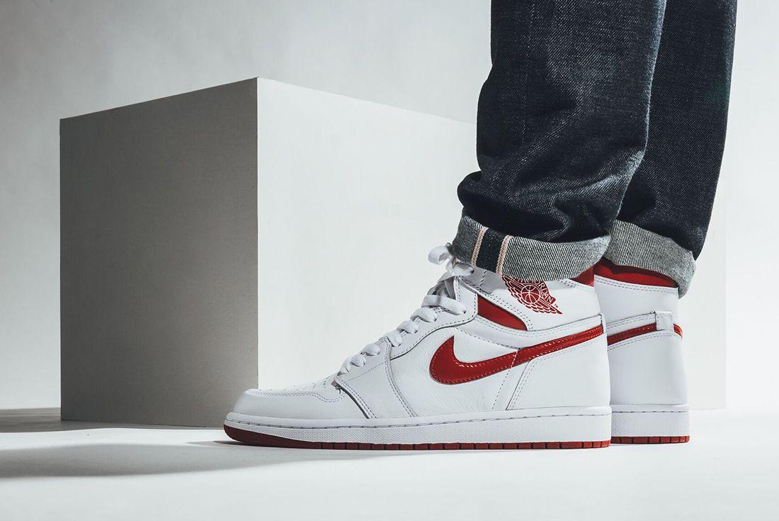 Air Jordan 1 High Og Metallic Red 1