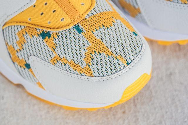 Nike Huarache Canyon Gold Bumper 3