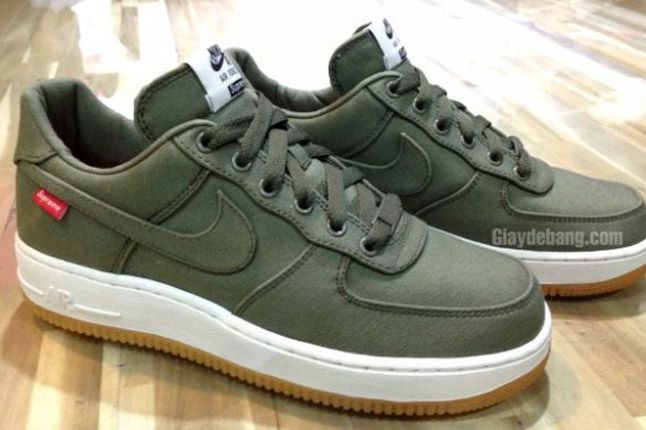 Supreme X Nike Air Force 1 Low Olive Profile 1