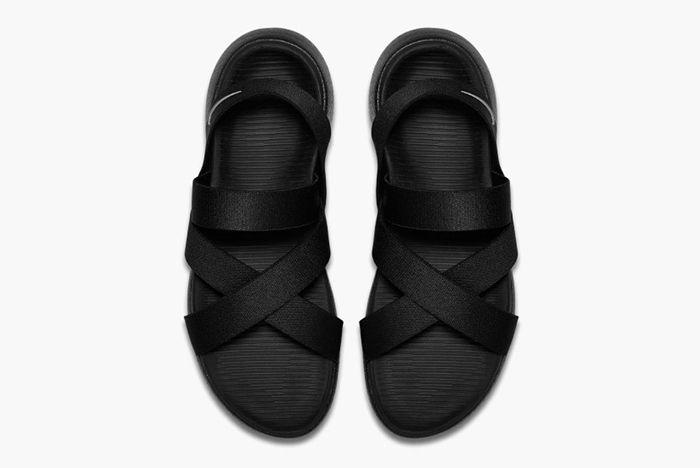Nike Roshe One Sandal Wmns4