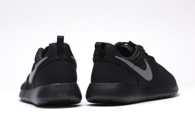 Nike Roshe Run Gs Cool Grey Black 3