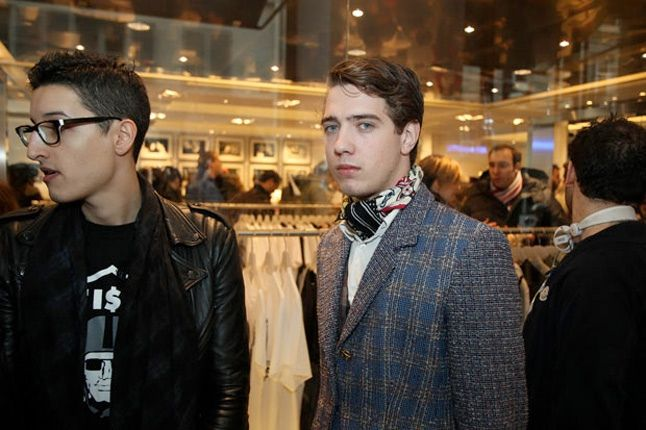 Kaws Book Signing Colette 4 1